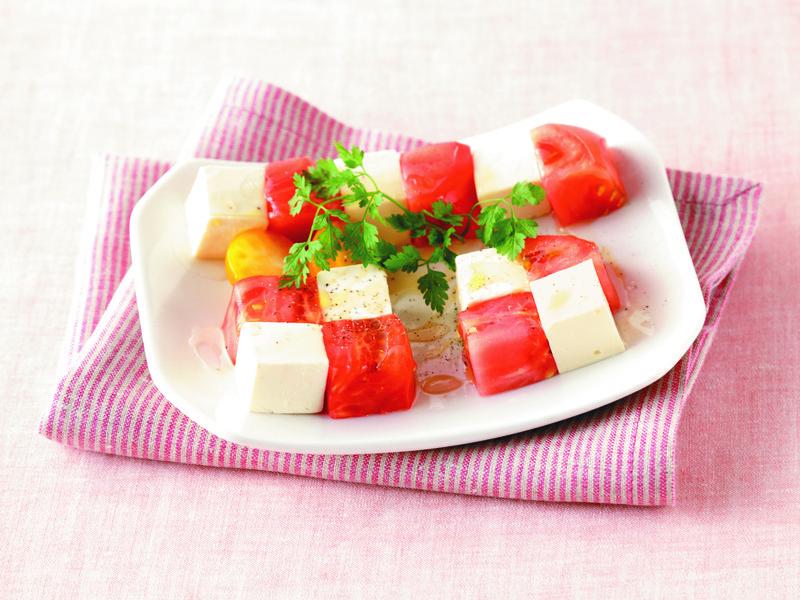 番茄也能這樣做:番茄奶油起司塊佐蜂蜜