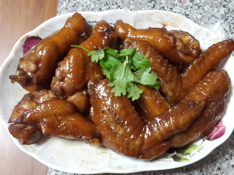 綜合滷味(雞翅.甜不辣,豬血糕.豆干)