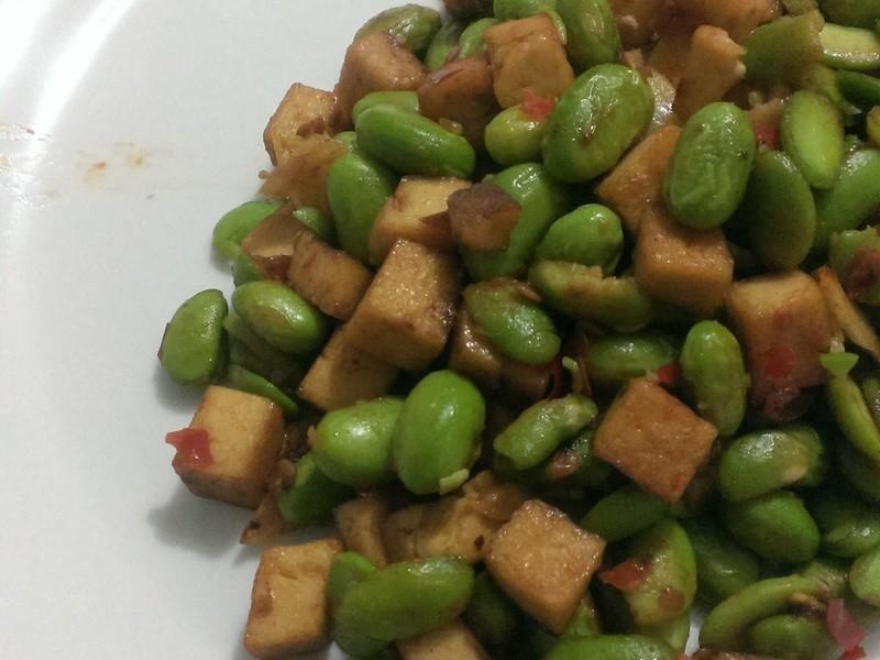 五香豆干炒毛豆