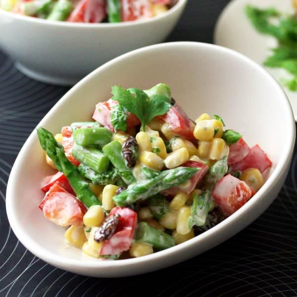 蘆筍玉米沙拉佐香菜優格醬
