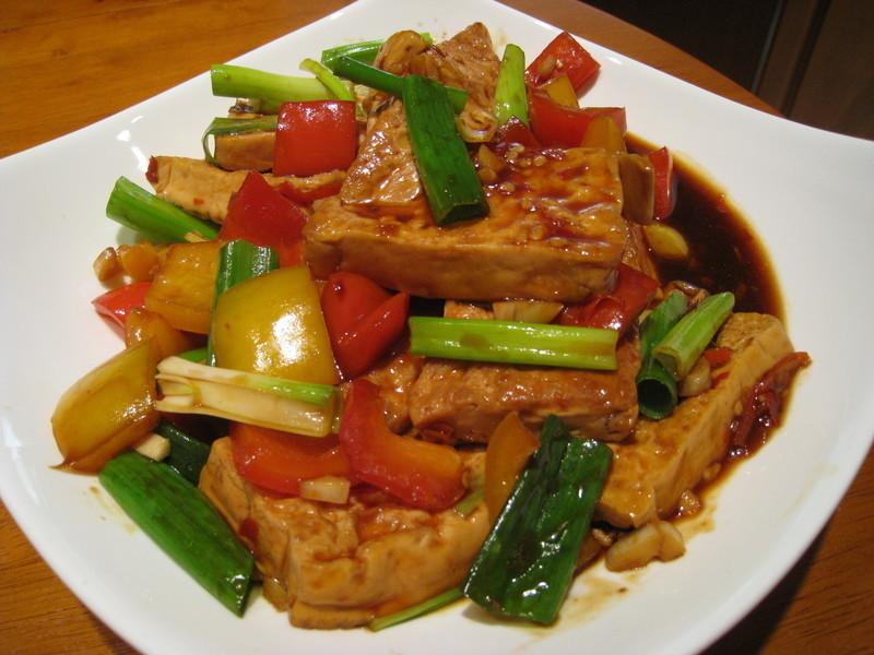 【粉豬兒】蔥香紅燒豆腐
