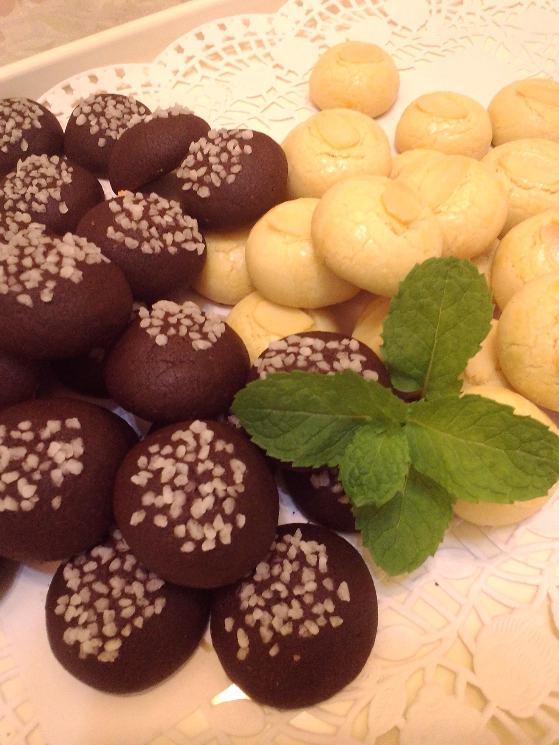 珍珠糖巧克力球 vs 杏仁雪球