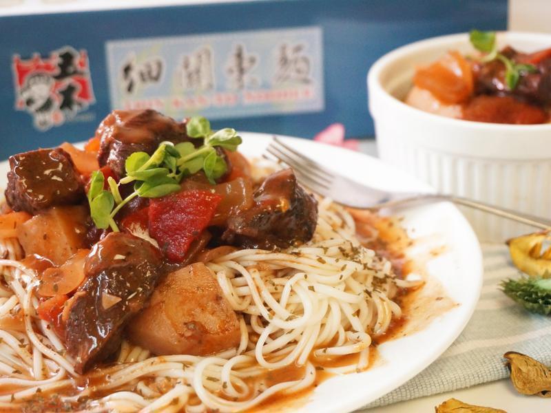 匈牙利紅椒燉牛肉燴麵-【五木@好市多】