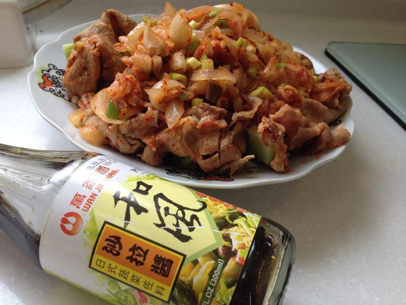 【日韓料理】和風佐泡菜豬肉拌麵線