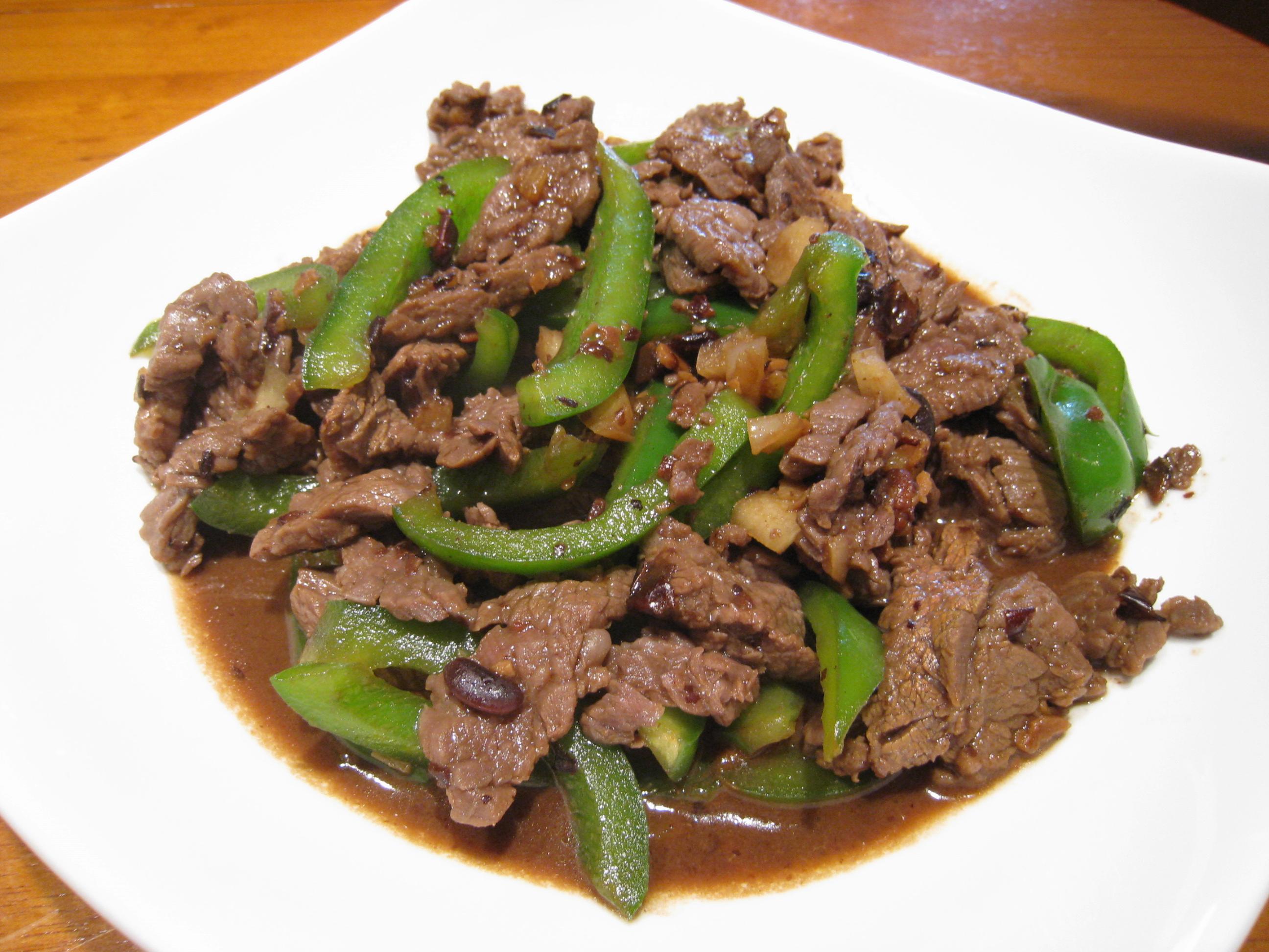 【粉豬兒】豆豉青椒牛柳