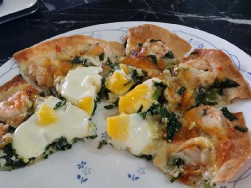 冷凍蛋餅皮變身!蝦仁韭菜PIZZA
