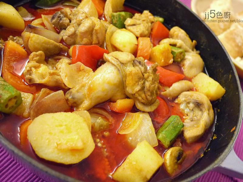泰國紅咖哩雞【清冰箱料理】