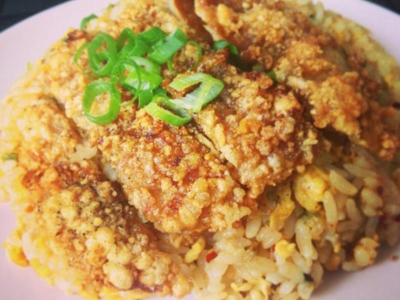 【空姐愛煮菜】當台式排骨遇上韓式泡菜炒飯