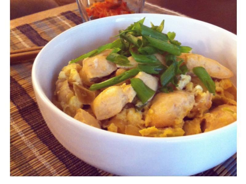 ♪一人輕鬆煮♬ 雞肉親子丼