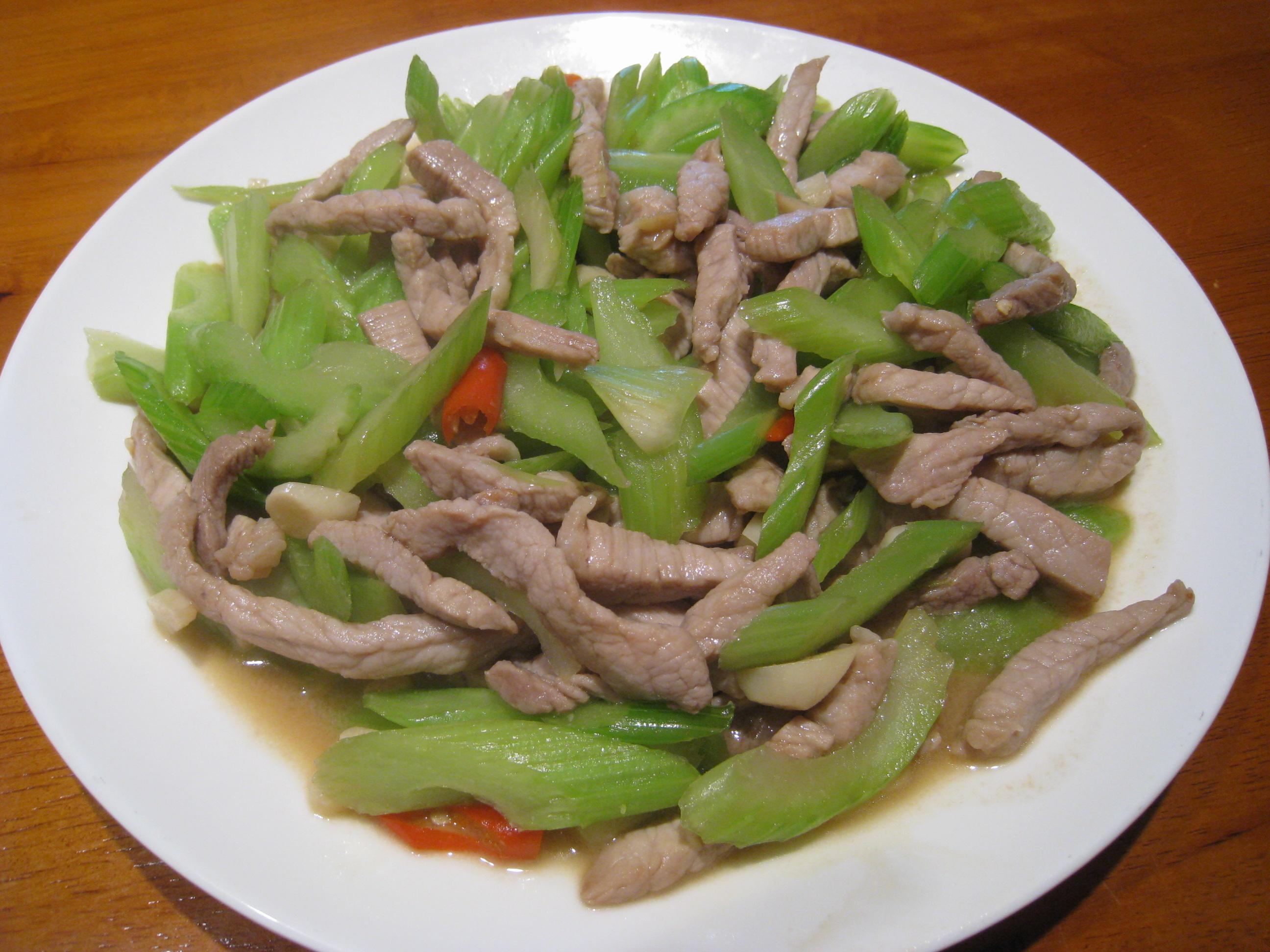 【粉豬兒】芹菜炒肉絲
