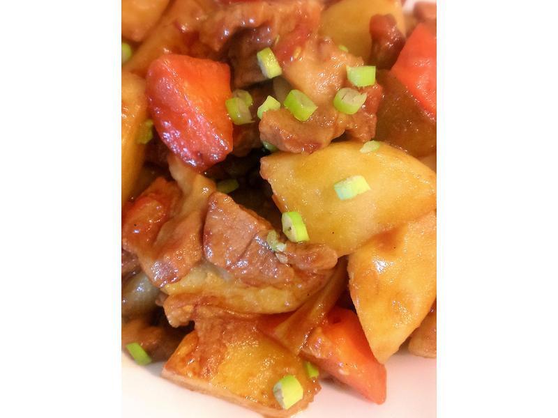 蕃茄馬鈴薯燉豬肉