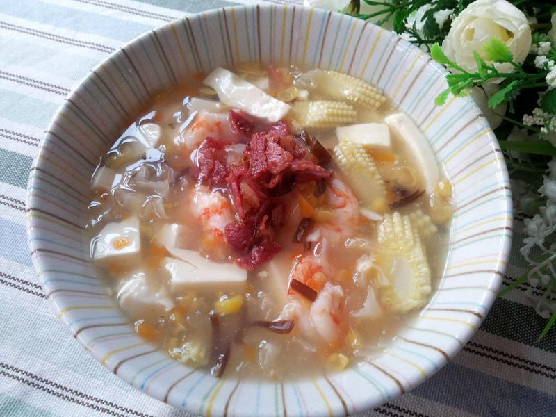 暖入心房的湯羮 ~ 海鮮雙耳豆腐玉米羮