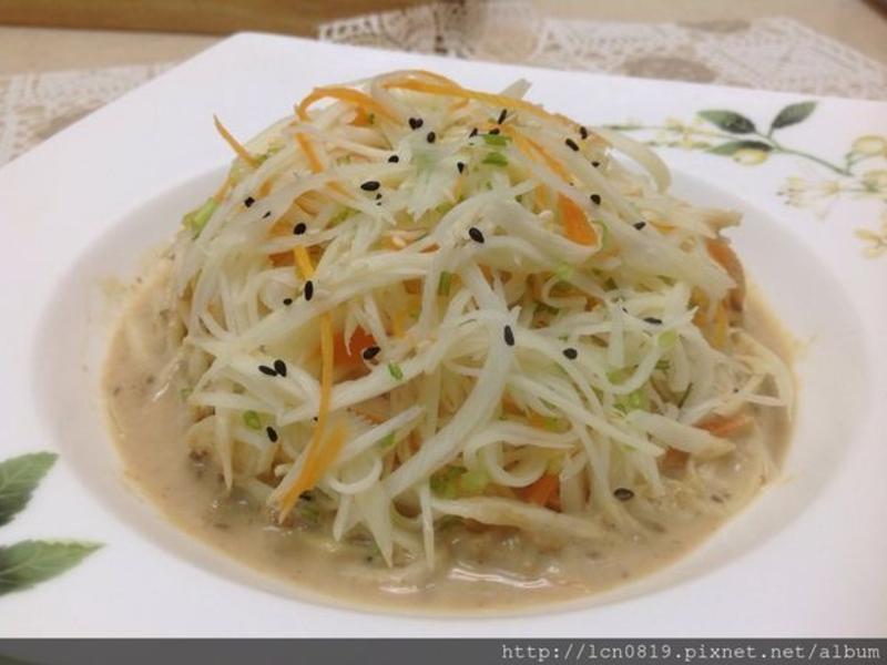 皎白筍絲佐芝麻醬