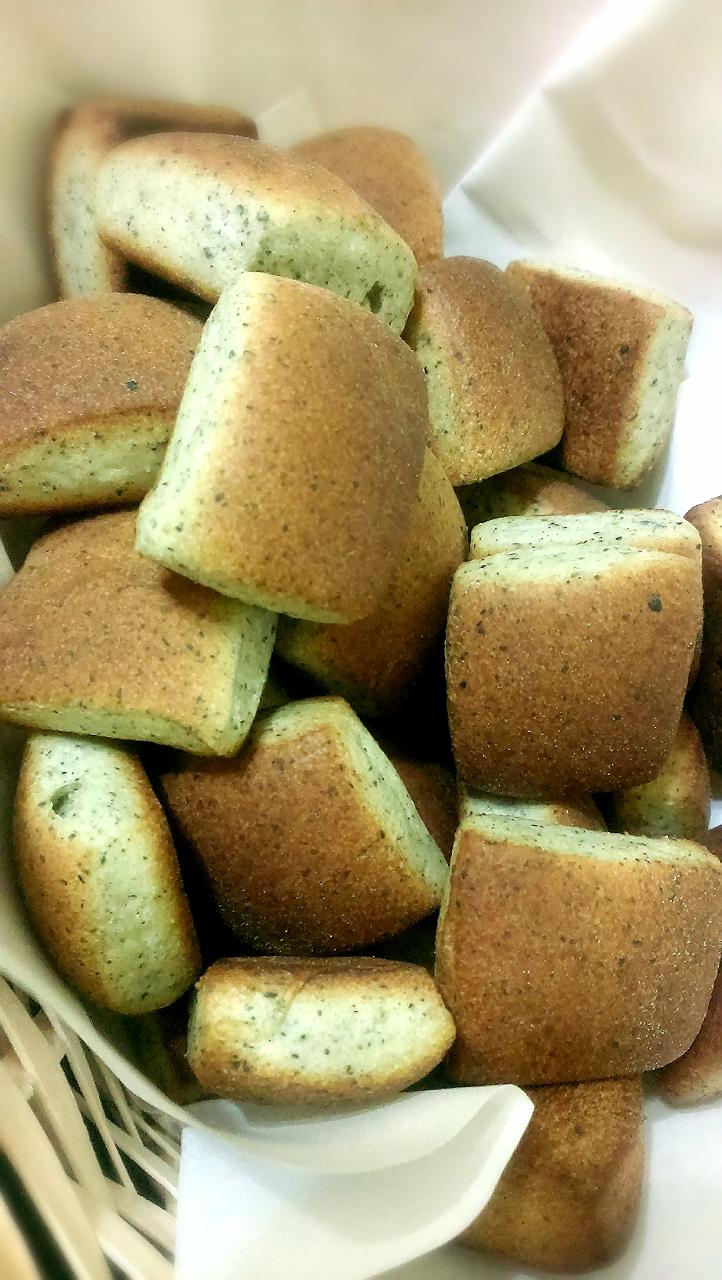 ㄧ口芝麻麵包