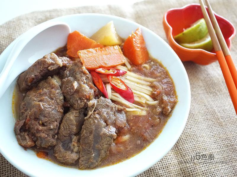 越南番茄牛肉熱拌麵