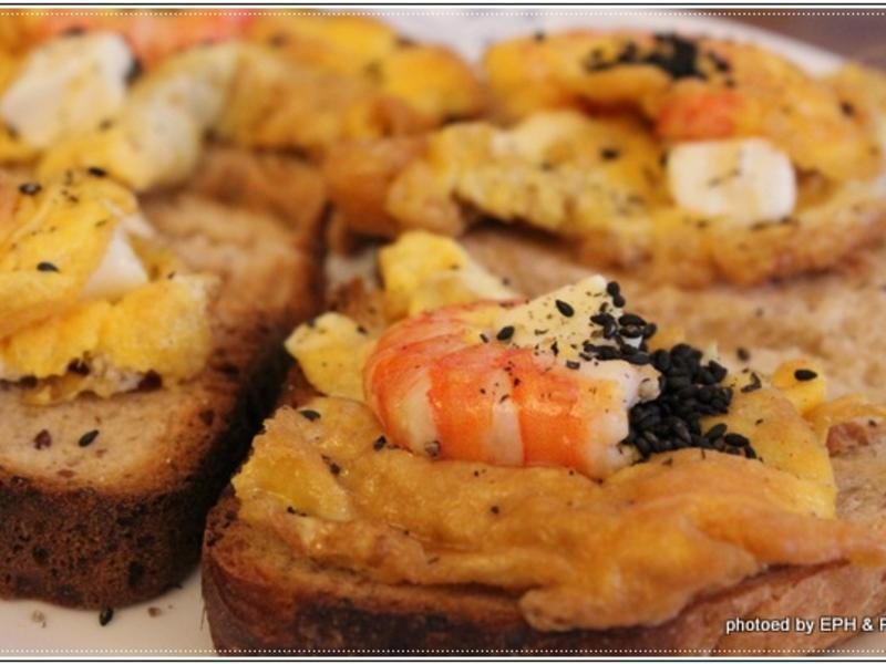 鮮蝦蛋米飯麵包三明治