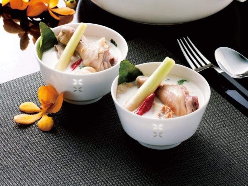 JIA Inc. 蒸鍋蒸籠|南薑椰奶雞湯